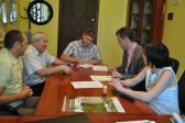 Podpisanie umów na remont świetlic w gminie Opatowiec
