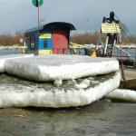 Zamarznieta Wisła w Opatowcu